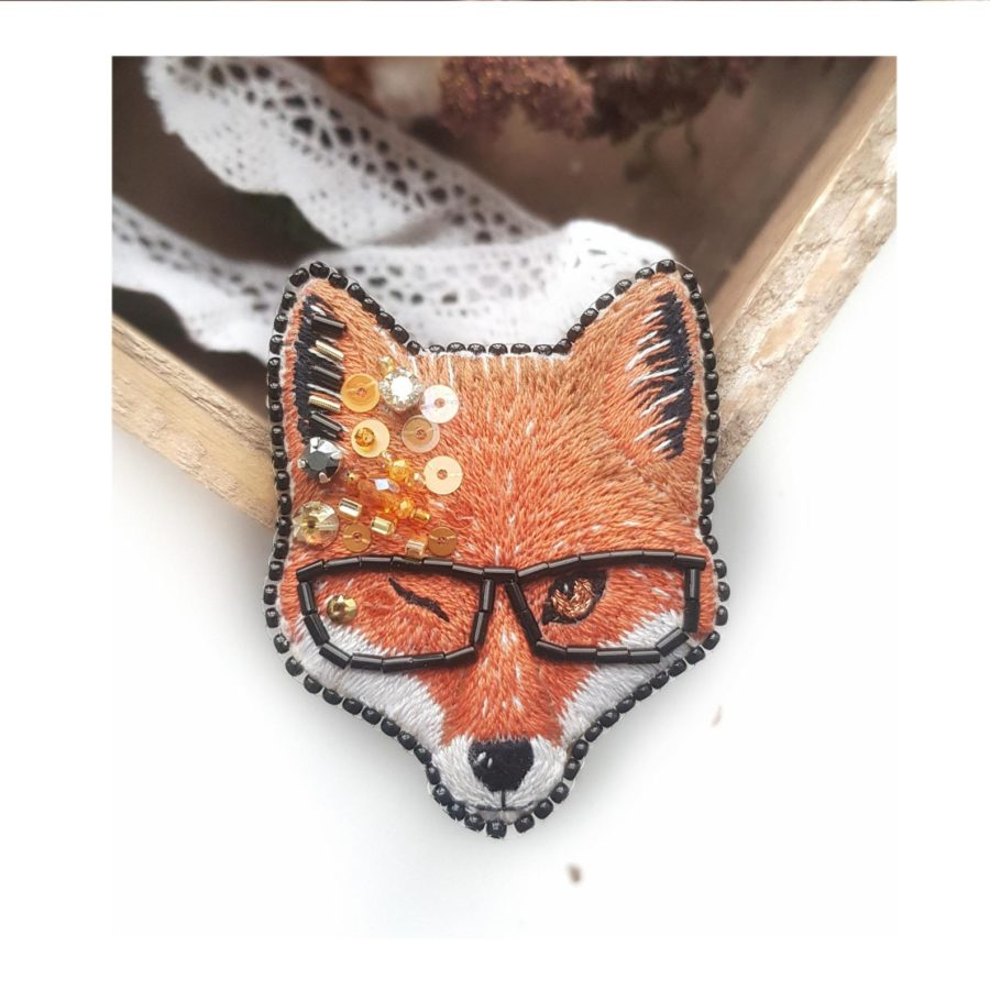 Clever Fox- Embroidered- brooch-Hand embroidered-pin -Beadbrooch-handmade-etsy
